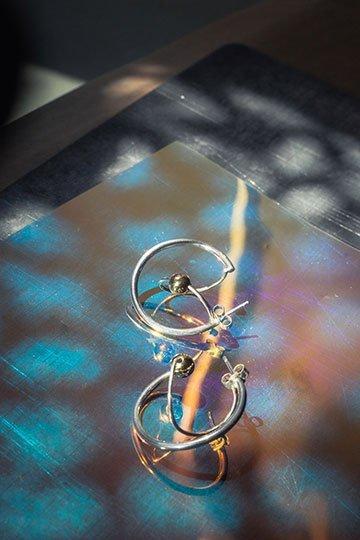 Boucles d'oreille Salto perle en or bijou en argent massif pour la collection Helix